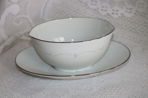 Noritake Whitebrook Gravy Boat with Attached Under Plate