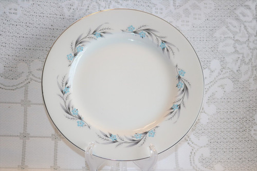 Johnson Brothers Snowhite Dinner Plate