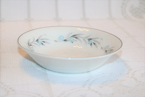 Johnson Brothers Snowhite Berry Bowl