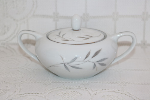 Kimberly Fine China Fleetwood Sugar Bowl with Lid