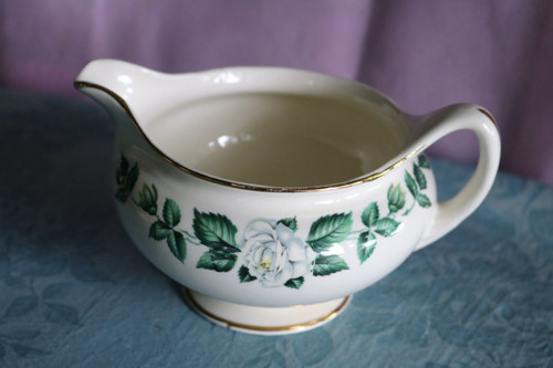Homer Laughlin Co Nassau Creamer