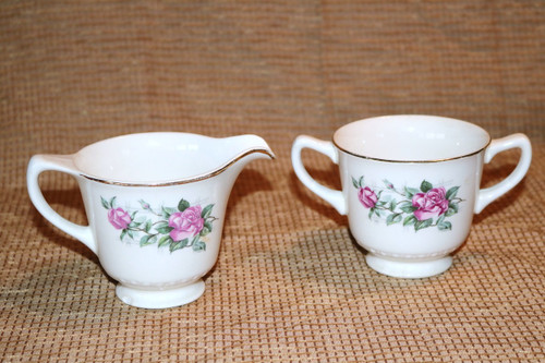 Homer Laughlin Co Lattice Rose Creamer