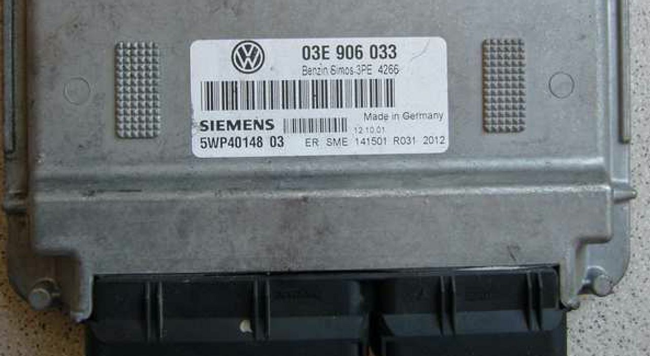 VW SEAT SIEMENS ECU 0E3 906 033 P 03E906033 FAST SHIPPING