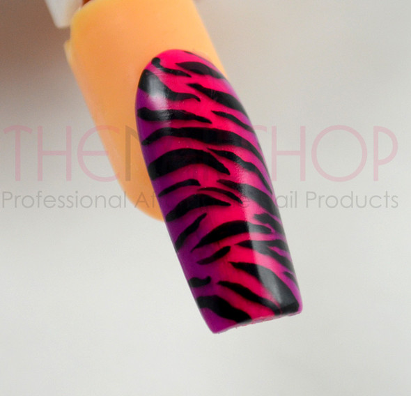 Using the Extreme Nail Art Liner Brush for Zebra Strokes