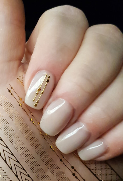 3D Gold Nail Stickers. Example of Use