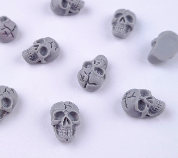 3D Acrylic Resin Skulls for Nail Art (Grey) - Great for Halloween Nails!