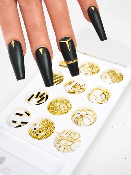 Example of Metal Triangles & Half Rings for Nail Art