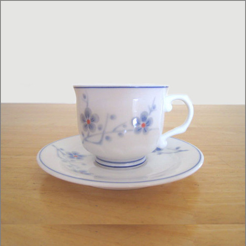 Porcelain Tea Cup and Saucer (1 Set) - Cherry Blossoms
