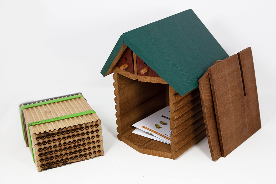 Cabin Bee House & Nesting Material Combos Summer Season Wood Tray