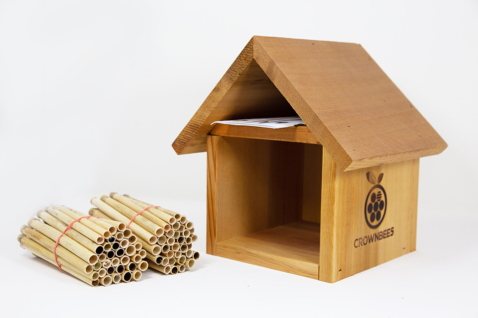 Chalet Bee House & Nesting Material Combos Spring Season Reeds