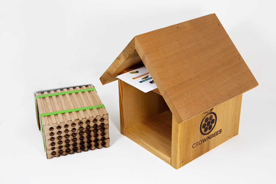 Chalet Bee House & Nesting Material Combos Spring Season Reeds Spring Season Wood Tray