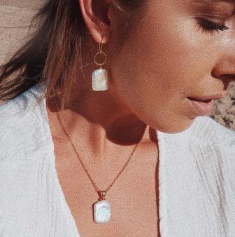 Naxos Pendant