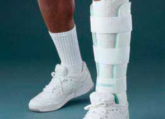 AirStirrup AirCast Leg Brace