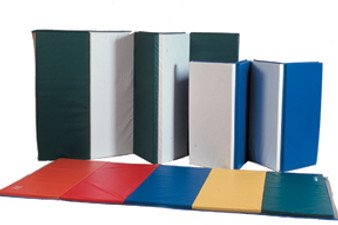 """CanDo® Accordion Mat - 1-3/8"""" EnviroSafe® Foam with Cover - 6' x 12' - Rainbow Colors"""