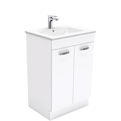 Dolce UniCab™ 600 Vanity on Kickboard [165257]