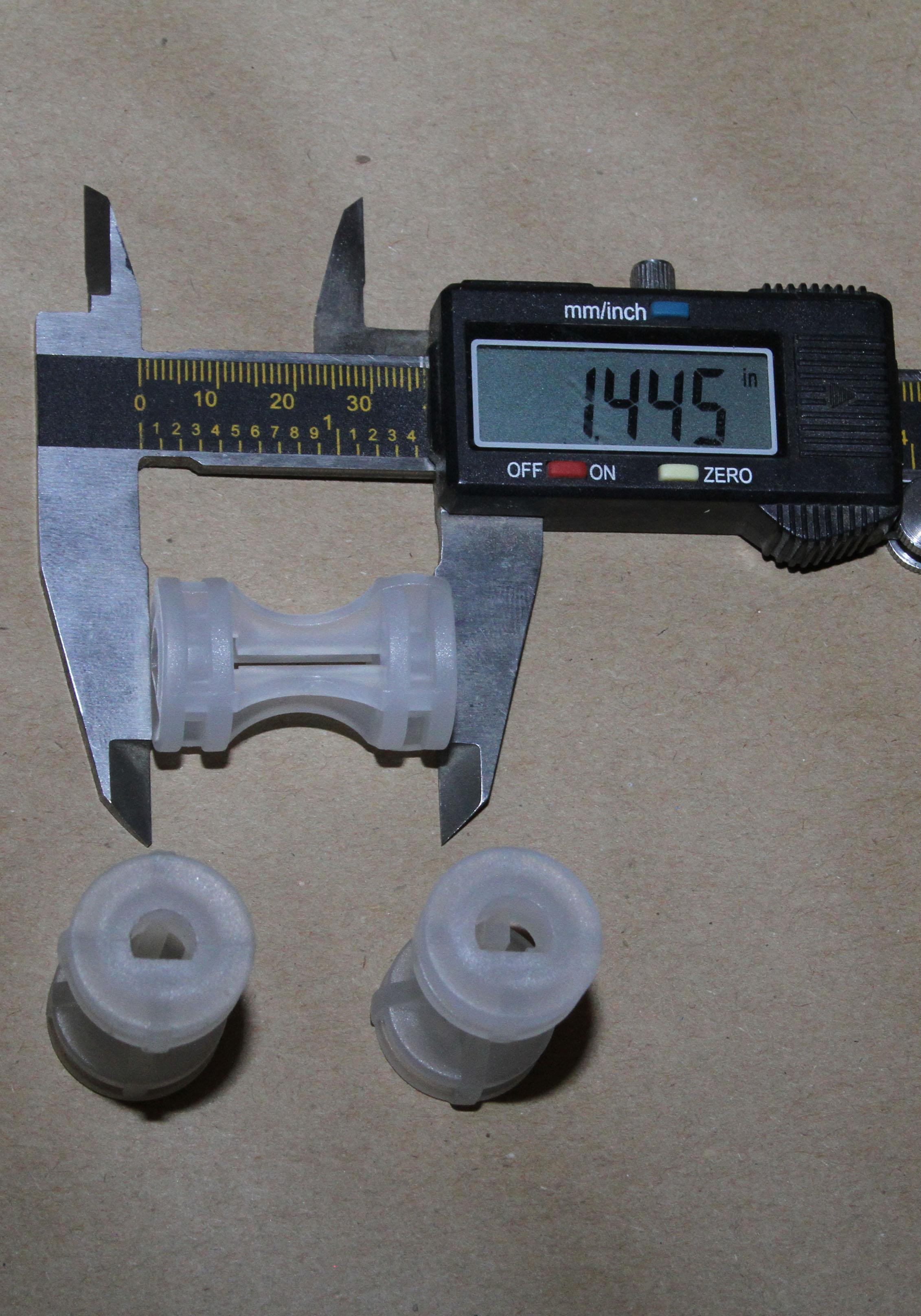 new-white-plastic-coupler-1-1.445.jpg
