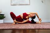 Clay Yoga Bra and 7/8 Yoga Legging Outfit yoga pose Elena Brower