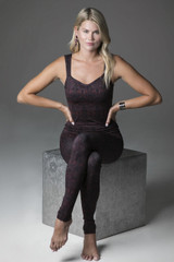 Duchess Sculpting Yoga Tank and Leggings Holiday Yoga Outfit