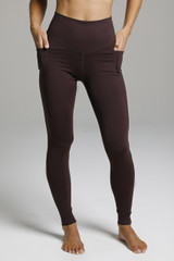 Duchess Sculpting Yoga Legging - Mahogany front pocket