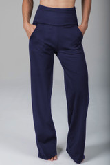 high waist wide leg pant with functional side pockets