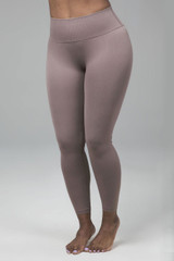 Ribbed Seamless Leggings in taupe