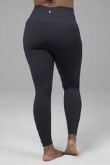 black seamless yoga legging
