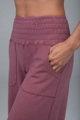 pink yoga pant with pockets