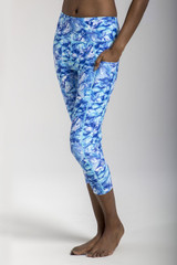 High Rise Yoga Capris with Side Pockets in Blue Summer Print