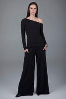 Versatile outfit in black wide leg pants