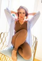 fawn seamless yoga leggings on kathryn budig