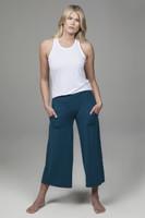 blue crop yoga pant lifestyle