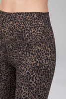 yoga legging in leopard print close-up