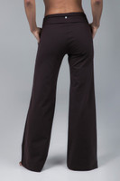 Brown yoga pants with pockets