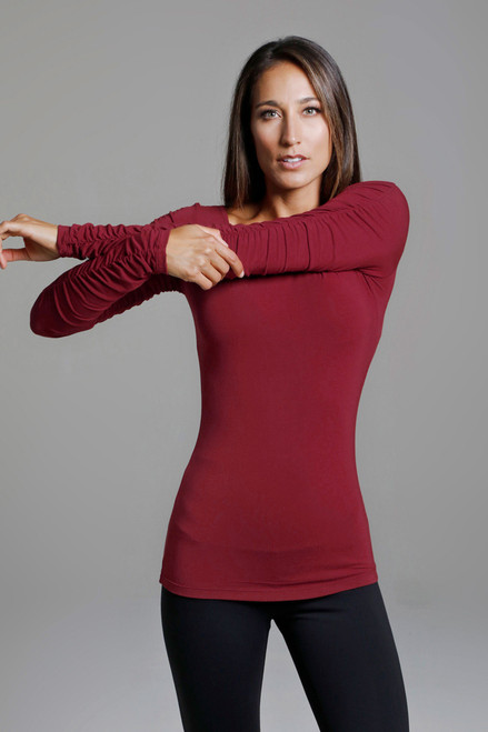 Long Yoga Shirt in Crimson Red