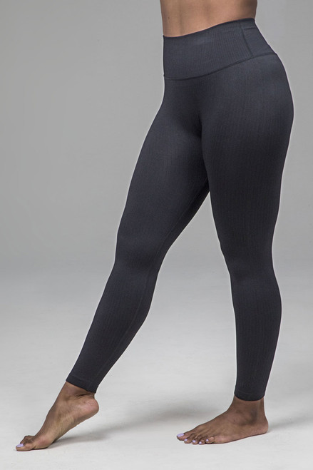 Ribbed Seamless Yoga Legging in Black
