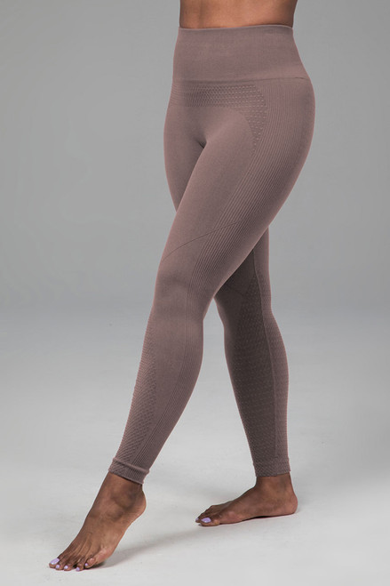 Kathryn Seamless Yoga Legging in Fawn