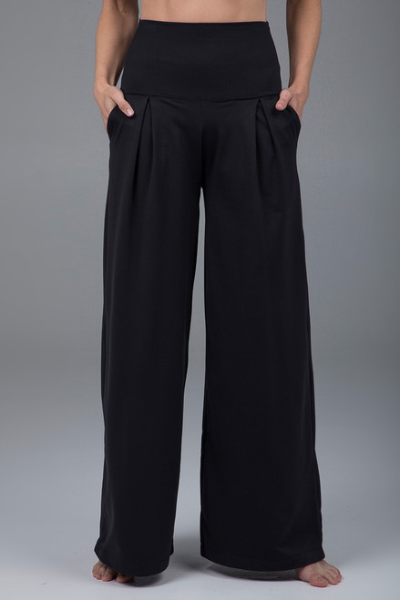 pleated wide leg pants black