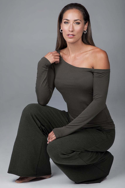 Off The Shoulder Yoga Top (Forest Night)