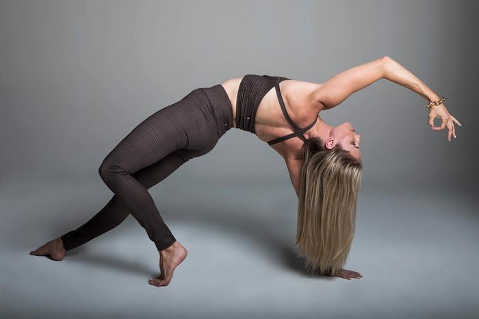 Grace Yoga Halter Crop Top (Prince of Wales Plaid)