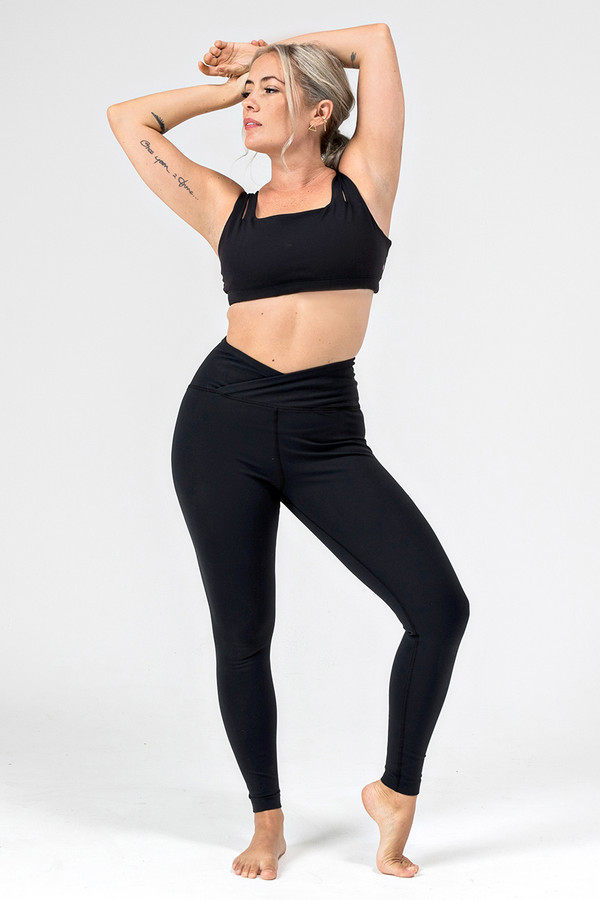 Kathryn Budig Black Eternity Yoga Bra and Legging Outfit