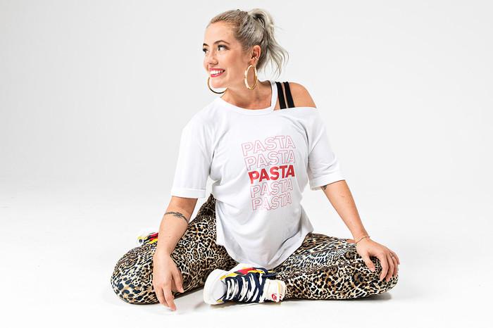 Rockstar Graphic Yoga Tee (Pasta)