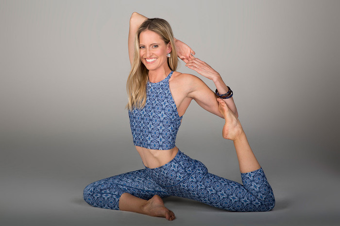 Grace Yoga Halter Crop Top (Persian Tile)