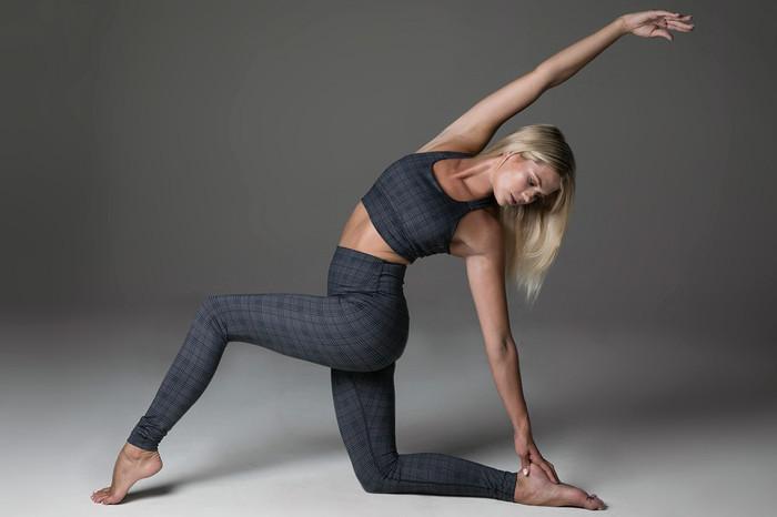 Yoga Pose Navy Glen Plaid Support Bra & High Waist Legging