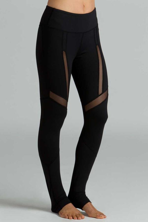 Black Strut Yoga Legging side