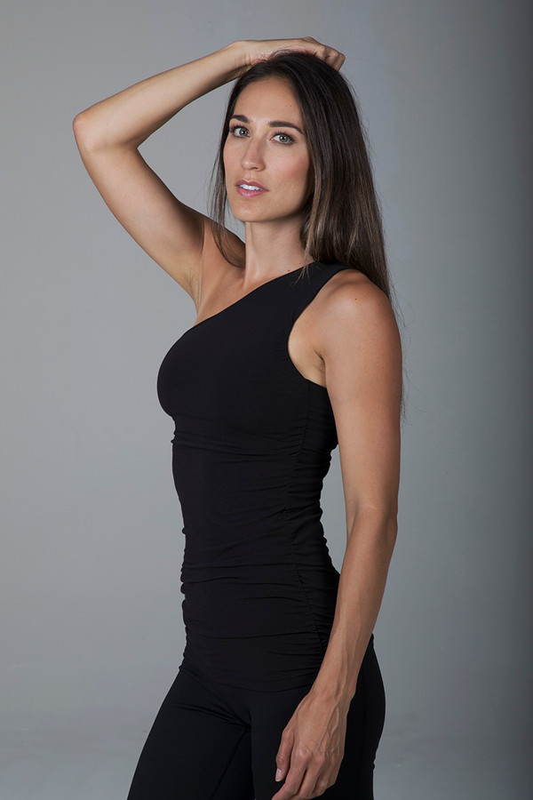 Black One Shoulder Long Yoga Top with Built-In Bra