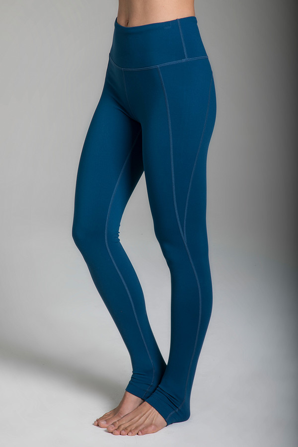 Ultra High-Waisted Yoga Legging in Blue Abyss