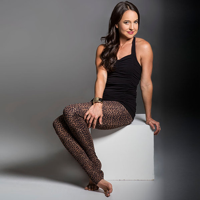 KiraGrace Flirt Skinny High-Waisted Yoga Legging in Dark Leopard print