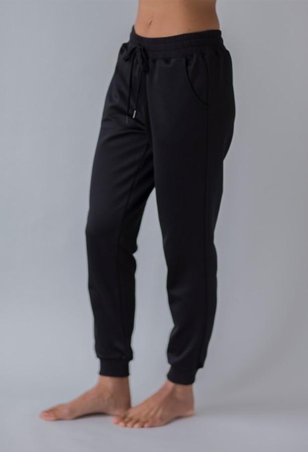 Cozy Jogger in Black