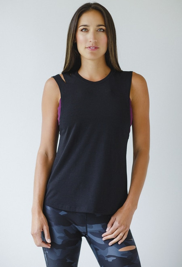 a4d8c70df9e89 Muscle Tee in Black