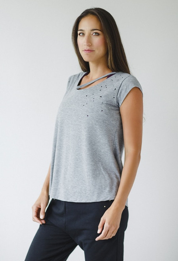 Distressed Tee in Heather Grey